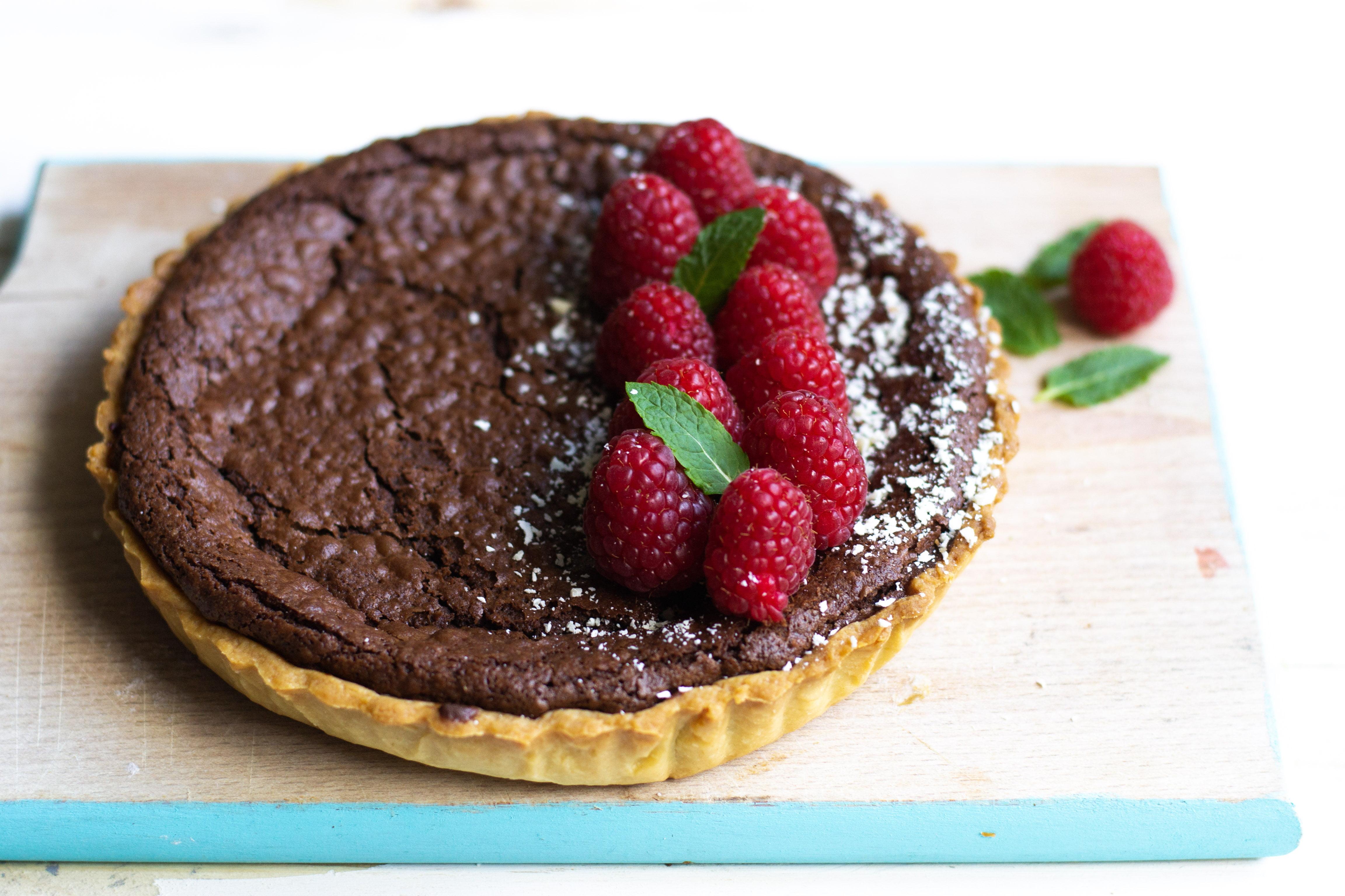 Dolci Da Credenza Alice Ricette : Crostata al cioccolato e lamponi ricetta ottolenghi